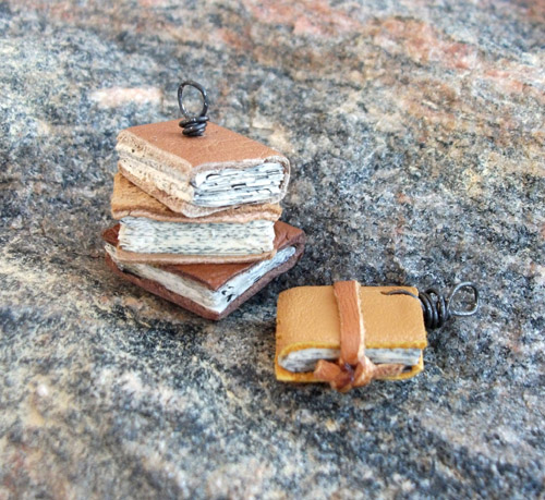 (itsy) Bitsy Books… diy mini book pendants