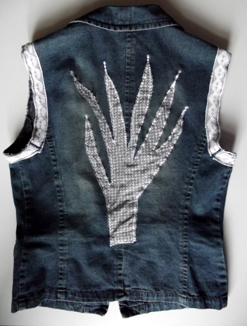 altered denim - a jean jacket to boho vest refashion DIY