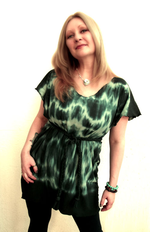 The Upcycled DIY Bewitched Bedsheet Tunic