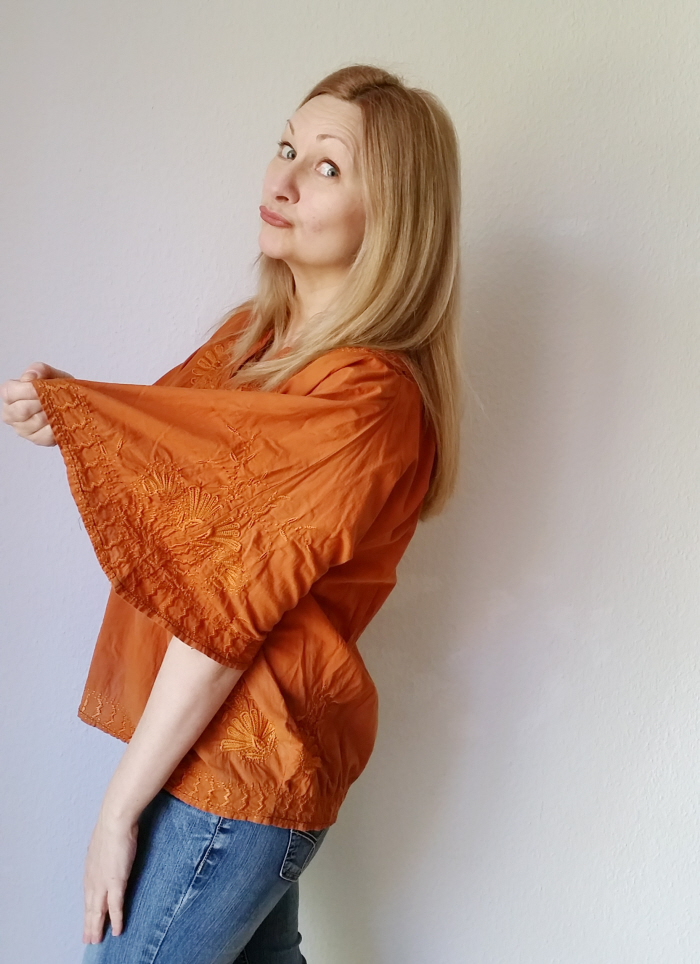 How to upsize a shirred top (a batwing shirt refashion)