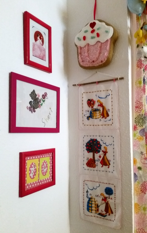 My Upcycled Vintage Hankie Wall Hangings