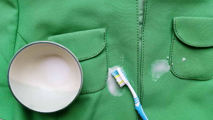 cleaning vintage clothing with vinegar (4)